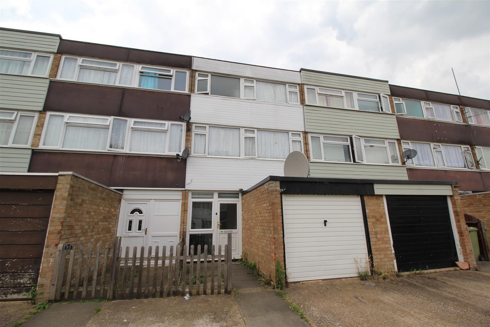 Four bedroom, three storey townhouse located on the Lakes Estate in Bletchley. The property benefits from Off Road Parking, Garage & Three Toilets.